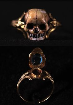 Mourning ring, made in Europe in the 18th century (source).