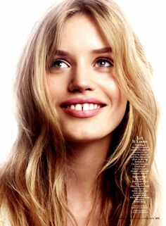 I love models with teeth gaps, they're so pretty...random fact.