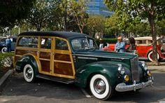 1941 Packard model 1901 Station Wagon - dark green