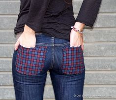 calça jeans customizada com bolso xadrez