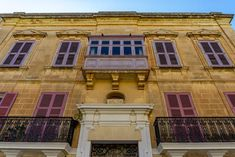 A complete guide to what to see in Mdina and Rabat, Malta including things to do, where to eat and places to stay. Malta Food, Malta Beaches, Beautiful Sunrise, Balconies, Travel Europe, Maltese, Snorkeling, Scuba Diving, Where To Go