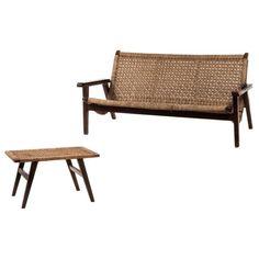 Muebles Toluca. México. Años Juego de banca y sofá de 3 plazas. En madera  de cedro. Con respaldos y asientos de palma. 2 pzs d5e5d54ffb9