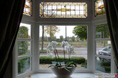 Glas-in-lood bovenlichten gemaakt in klassiek jaren dertig patroon