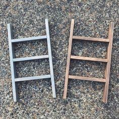Diy Ladder, Diy Blanket Ladder, Ladder Decor, Ladder Display, Decorative Towels, Diy Wood Projects, Home Crafts, Diy Crafts, Tea Towels