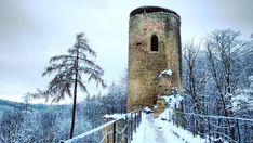 Nenapadá vás, kam si zajet udělat krásný výlet? A co české hrady? Ukážeme vám 30 nejkrásnějších hradů v ČR, které stojí za to navštívit. Snow, Travel, Outdoor, Instagram, Outdoors, Viajes, Destinations, Traveling, Outdoor Games