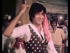 Amitabh Bachchan dancing to one of his old movie songs :)