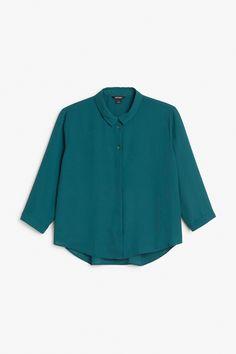 Monki Image 1 of Cropped blouse in Green Bluish Dark
