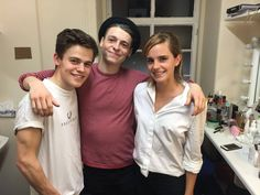 "Emma Watson posted on Facebook pictures of her meeting with the cast and crew of Harry Potter And The Cursed Child in London yesterday : ""Yesterday I went to see the Cursed Child. I came in with no idea what to expect and it was AMAZING. Some things about the play were, I think, possibly even more beautiful than the films. Having seen it I felt more connected to Hermione and the stories than I have since Deathly Hallows came out, which was such a gift"" (read the end on facebook)"