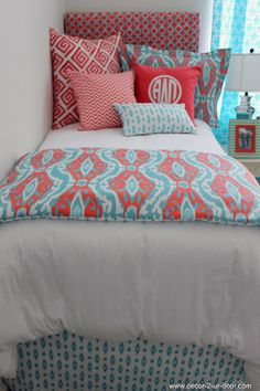 D2D Designs: Graduation Gift Ideas for High School and College | Sorority and Dorm Room Bedding