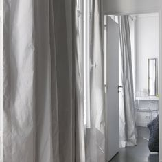 1000 images about rideaux on pinterest linen curtains large curtains and linens. Black Bedroom Furniture Sets. Home Design Ideas