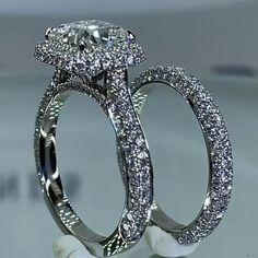 Big Engagement Rings, Big Wedding Rings, Wedding Ring Designs, Diamond Wedding Bands, Vintage Gold Rings, Unique Diamond Rings, Dress Rings, Fashion Rings, Beautiful Rings