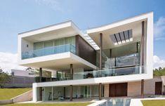 Incredible  Contemporary Architecture: Casa Hacia el Rio Residence in Ecuador