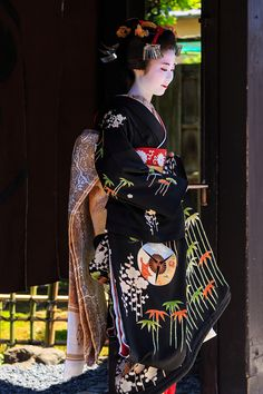 She is a young girl who debuted as Maiko today. (The girls come to Okiya at the age of And after a year of apprenticeship they will make a maiko debut) # kyoto # japan # maiko Kimono Japan, Japanese Kimono, Japanese Fashion, Japanese Girl, Hina Matsuri, Kabuki Costume, Traditional Japanese Art, Art Asiatique, Japanese Characters