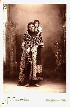 . Native American Women, Native American Indians, Native Americans, Tribal People, Warrior Women, Interesting Faces, First Nations, Baby Wearing, Most Beautiful Women