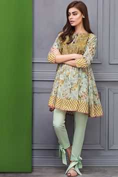 These 30 Pakistani Lawn suits will change all your perceptions about suits and Kurtis. Loaded with fresh designs and color, these Lawn suits Pakistani Fashion Casual, Pakistani Dresses Casual, Pakistani Dress Design, Indian Fashion, Pakistani Designers, Pakistani Dresses Online, Indian Dresses, Indian Outfits, Stylish Dresses