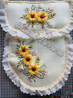 Ribbon Embroidery Tutorial, Hand Embroidery, Machine Embroidery, Cross Stitch Bookmarks, Easy Sewing Projects, Rose Tattoos, Free Pattern, Baby Shower, Ideas Para