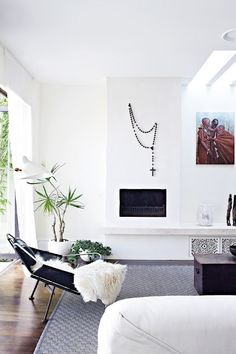 Beautiful Melbourne House with Exotic Home Decor ♥ 79 Ideas Living Room White, Home And Living, Living Room Decor, Living Spaces, Living Area, Modern Living, Living Rooms, Small Living, Style At Home