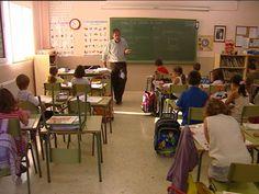 El próximo curso escolar en España contará con al menos 80.000 profesores menos