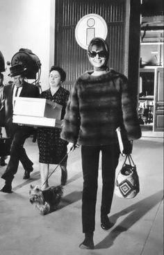 Audrey Hepburn leaving Bolougne Studios, 1962 Gorgeous!