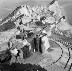 British BL 9.2 inch Mk X coastal defense gun at Gibraltar, 4 Jan 1942 (Imperial War Museum)
