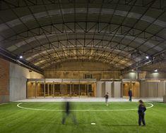 VHYB LA VILLE HYBRIDE©: Une usine reconvertie en stade de foot indoor à Coimbra