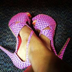 Geo pink heels