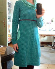 #ootd : ein älteres, vielgeliebtes @rosap.de -Kleid, wunderbar zum Rumschlunzen am Wochenende ... #einschnittvierstyles #lillestoff #meinselbstgenähterkleiderschrank #nähenstattkaufen #imademyclothes #handmadeclothing