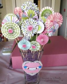 Pretty Paper Rosette Projects- Valentines and Other Holidays (Diy Paper Rosettes) Flower Crafts, Diy Flowers, Paper Flowers, Diy Paper, Paper Crafts, Diy Crafts, Pyjamas Party, Paper Medallions, Diy Fleur