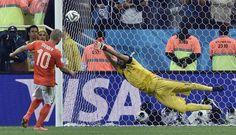 #Romero para il rigore di #Sneijder.  #Mondiale2014 #Brasile2014