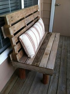 10 Simple DIY Pallet Bench Designs | Wooden Pallet Furniture... I would love this as a swing in the front porch!