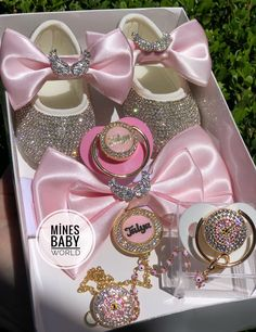 Baby gift setYou can find Baby bling and more on our website. Cute Baby Shoes, Baby Girl Shoes, Cute Baby Clothes, Babies Clothes, Babies Stuff, Baby Swag, Cute Little Baby, Cute Baby Girl, Baby Boys