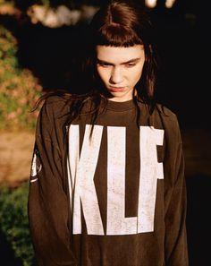 K L F  @designmuseum @BBC6Music #tshirtday (http://grimes-claireboucher.tumblr.com/post/120181970800/grimes-t-shirt-vintage-the-klf-credits)  via @deptofdev