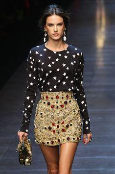 Dolce & Gabbana Spring 2012  La falda barroca. <3