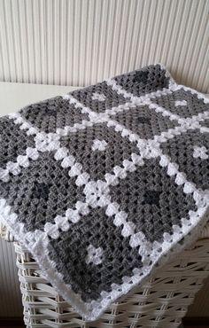 "Crochet baby blanket pattern, ""Back to basic"" granny square baby blanket by…"