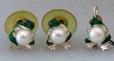 Frog holding 6 mm pearl Sterling silver & 14k gold Enamel Earrings an... Lot 259