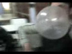 alto globo de chicle