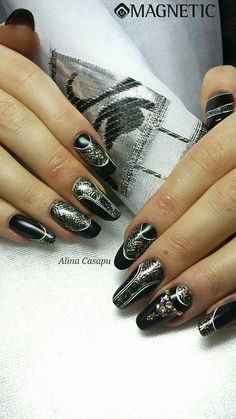 Pretty Nails with Gelpolish Basic Black (103026) & One Coat Color Gel True Silver (106645) by Alina Casapu.