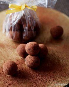 Smaczna Pyza - Sprawdzone przepisy kulinarne: Kuleczki marcepanowe. Kartofelki z marcepanu
