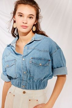 Urban Outfitters Renewal Recycled Cropped Elastic Denim Shirt - S Denim Shirt Outfit Summer, Long Denim Skirt Outfit, Jeans Dress, Denim Fashion, Fashion Outfits, Dress Outfits, Estilo Jeans, Diy Clothes, Clothes For Women