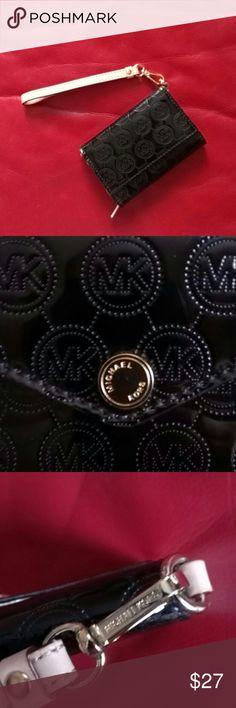 "Michael Kors Case Bags & Wallet Michael Kors Case Bags,& Wallet , 2,1/2""X4,1/2"", case bags cards, 2,1/2""X4,1/2"", small pocket coins, color black and gold Michael Kors Bags Cosmetic Bags & Cases"