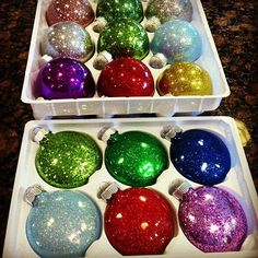 Super Easy Glitter Ornaments (without the mess!) ~ Mom's Crafty Space