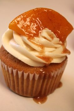 Southern Peach Cobbler Cupcakes. Perfect for any party or gathering!