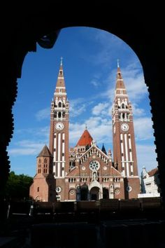 eBook Travel Guides and PDF Chapters from Lonely Planet: Szeged a pretty university town with spice