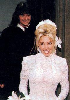 Heather Locklear and Richie Sambora were married on December 17, 1994 in Paris, France. The Episcopalian ceremony took place at The American Cathedral, a neo-Gothic structure near the River Seine.