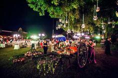 Having your candy buffet  set in an antique cart makes it look so much nicer and in sink with the haciendas, we love it! - Montar tu mesa de dulces en un carreta la hace ver súper bonita y en sintonía con las haciendas, nos encanta! Wedding Planning Merida, Yucatan, Mexico    #boda #mexico #yucatan #merida #bodamexico #bodayucatan #bodamerida #weddingplanning #bodasdestino #destinationwedding #dwp #charmingstudio