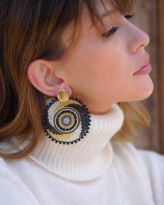 Crochet Beaded Bracelets, Beaded Earrings Patterns, Diy Earrings, Jewelry Patterns, Bridal Earrings, Beadwork Designs, Beaded Jewelry Designs, Bead Jewellery, Chunky Beads