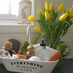 Everything But the Kitchen Sink Tray New Kitchen, Kitchen Decor, Decorating Kitchen, Awesome Kitchen, Design Kitchen, Country Kitchen, Kitchen Ideas, Modern White Bathroom, Pastel Room