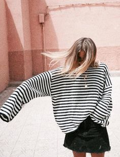 Invest in stripes! Fashion Gone rouge The Best of summer fashion in – New York Fashion New Trends Street Style Outfits, Looks Street Style, Looks Style, Style Me, Look Fashion, Fashion Tips, Fashion Trends, Catwalk Fashion, Classy Fashion