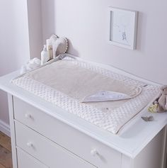 Shop the luxurious Dimple changing mattress in super soft Dimple fabric. Padded for baby's comfort and featuring a removable towelling mat top layer for Changing Unit, Baby Changing Mat, Portable Crib, Baby Baskets, Moses Basket, Baby Comforter, Terry Towel, Crib Mattress, Baby Online