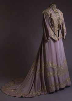 Business Dress of Empress Alexandra Feodorovna, Russia, 1900, at the State Hermitage Museum. Wool, silk and lace.
